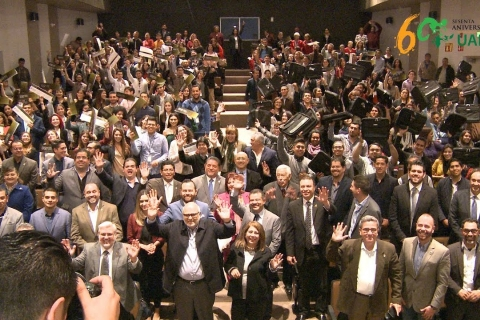 Embedded thumbnail for Entrega Fundación UABC becas y equipos de cómputo