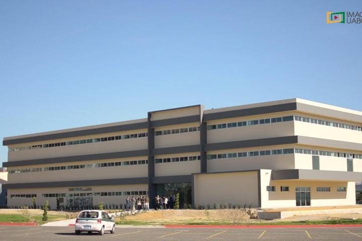 Embedded thumbnail for Inauguración de edificio de Posgrado en FEyRI Campus Tijuana