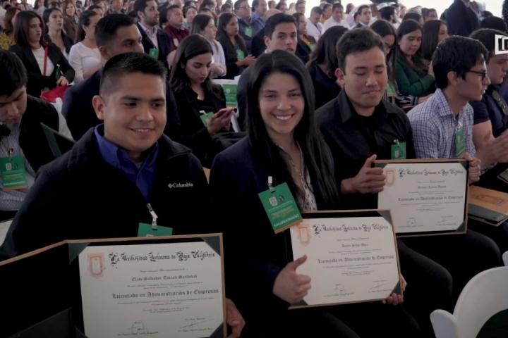 Embedded thumbnail for Reconocimiento ha egresados por desempeño sobresaliente en CENEVAL, Campus Ensenada