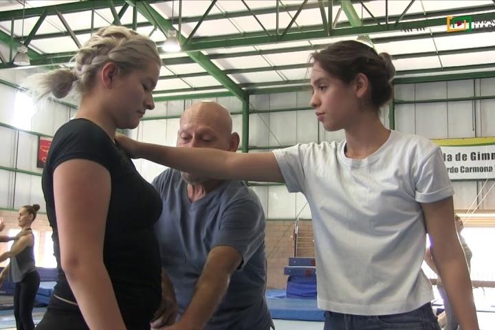 Embedded thumbnail for Ofrecen técnicas de defensa personal en Master Class