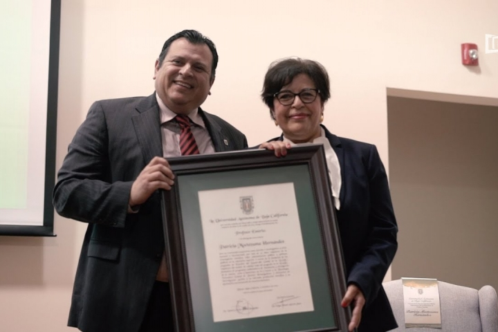 Embedded thumbnail for Mérito Universitario a la Dra. Patricia Moctezuma Hernández