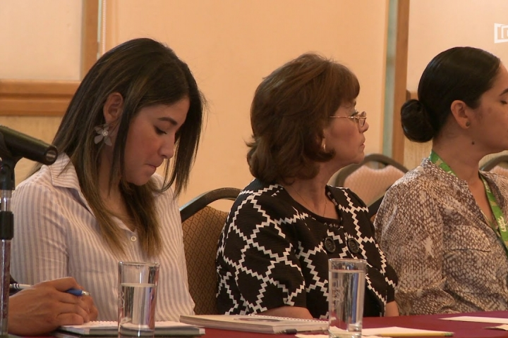"""Embedded thumbnail for Presentan """"Apuntes para la agenda de la educación superior en México"""""""