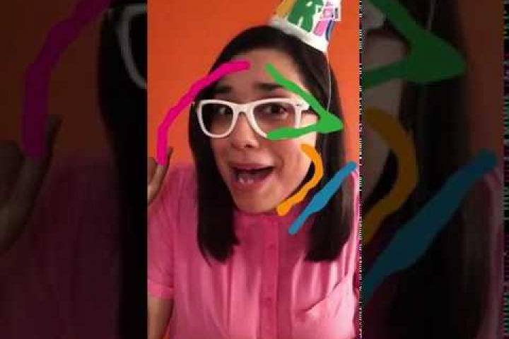 Embedded thumbnail for MariQK felicita a las niñas y niños en su día #PequesEnCasa